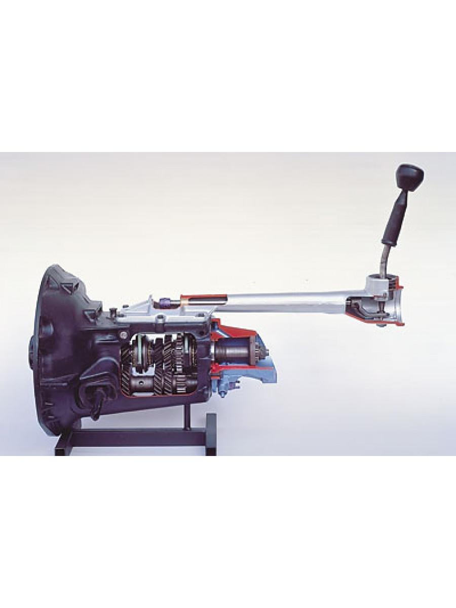 Four-speed transmission with locking synchronization